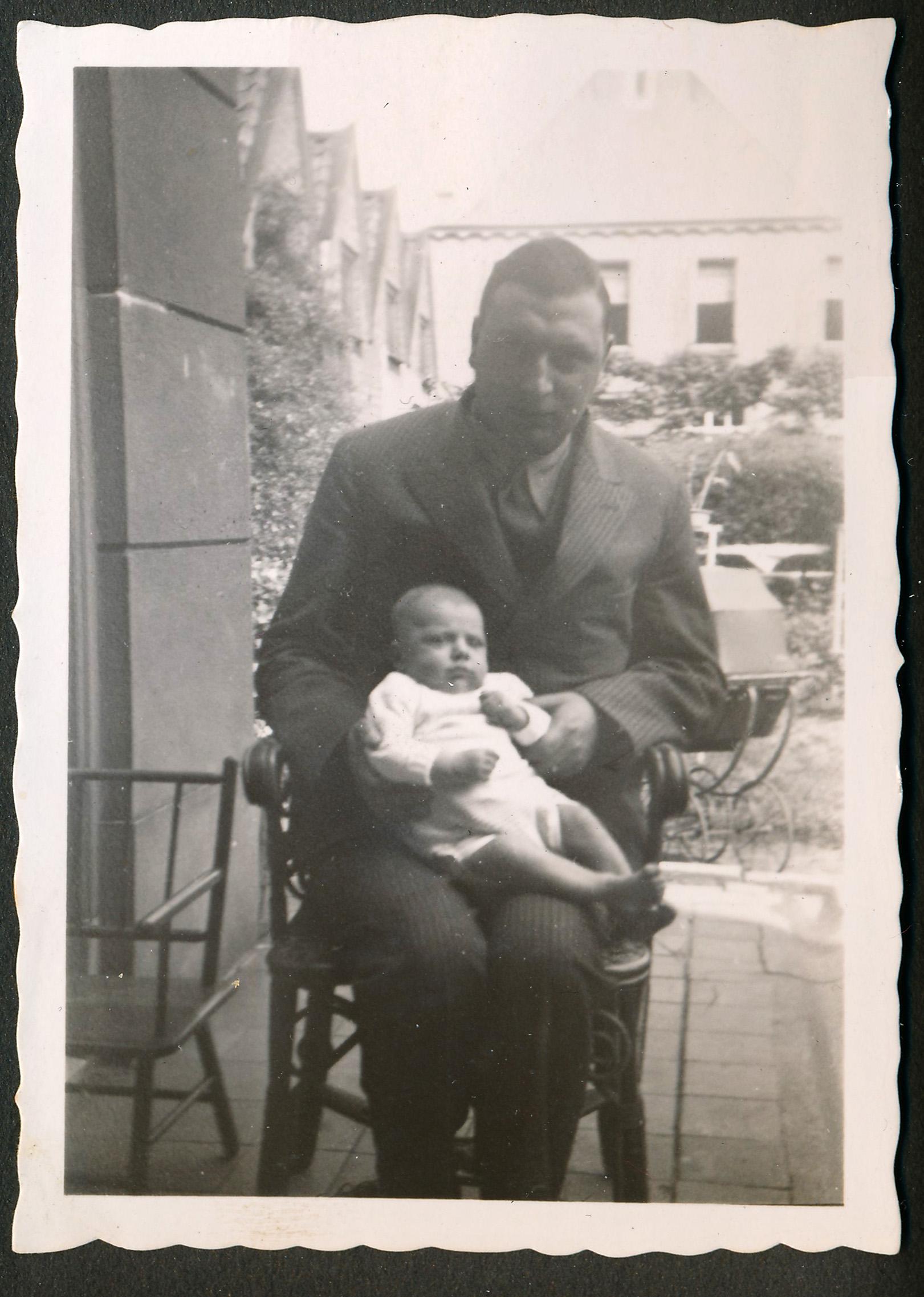 willem met jongste kind 1934 c2